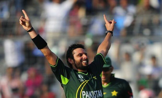 highest wicket taker in odi